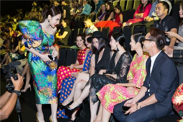 Phương Trinh chạm mặt Ngô Thanh Vân sau scandal giờ dây thun ầm ĩ