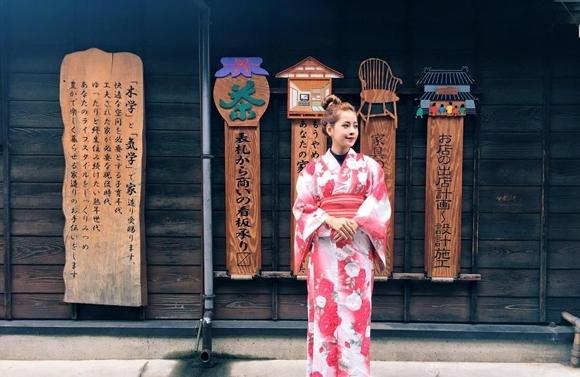 Trong những lần du ngoạn sang xứ sở hoa anh đào, Chi Pu thường khoe fan ảnh diện trang phục kimono truyền thống. - Tin sao Viet - Tin tuc sao Viet - Scandal sao Viet - Tin tuc cua Sao - Tin cua Sao