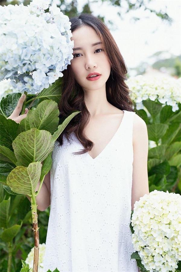 Những cô nàng châu Á ưa thích kiểu chụp hình và trang điểm tự nhiên trong sáng. (Ảnh: Internet)