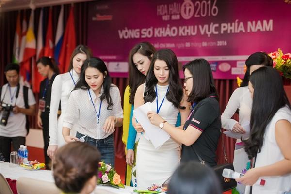 Hoa hậu Việt Nam năm nay thu hút hàng trăm hồ sơ của các người đẹp đến từ các tỉnh thành. Có nhiều gương mặt mới nhưng cũng không ít thí sinh từng tham gia cuộc thi nhan sắc.