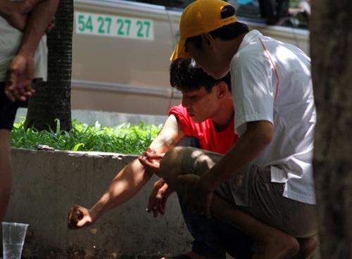 Các đối tượng xin đểu thường tụ tập ở công viên để sử dụng ma túy và xin đểu. Ảnh: Internet