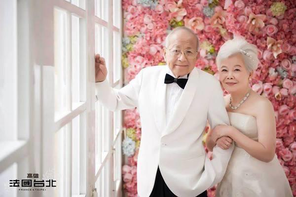 Bộ ảnh này xuất hiện trên một trang mạng xã hội về đám cưới, thu hút lượt yêu thích và chia sẻ lớn từ cộng đồng mạng.(Ảnh: Internet)