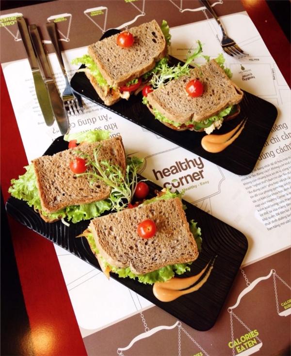 Giờ thì không còn phải băn khoăn nữa mà yên tâm ghé qua đây thưởng thức loại sandwich đặc biệt này nhé. (Ảnh: Internet)