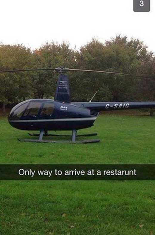 Mỗi lần đi nhà hàng là phải như thế này! (Ảnh: Internet)