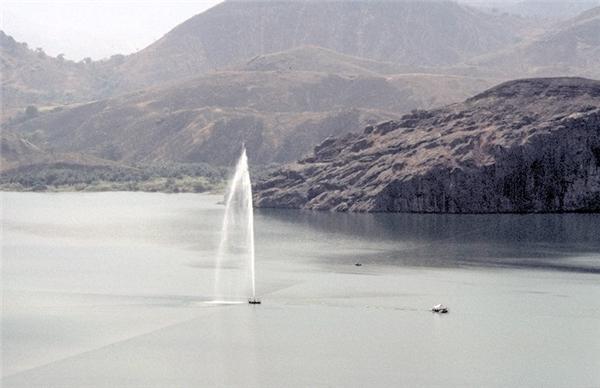Hình ảnh hồ Nyos được khửCO2.