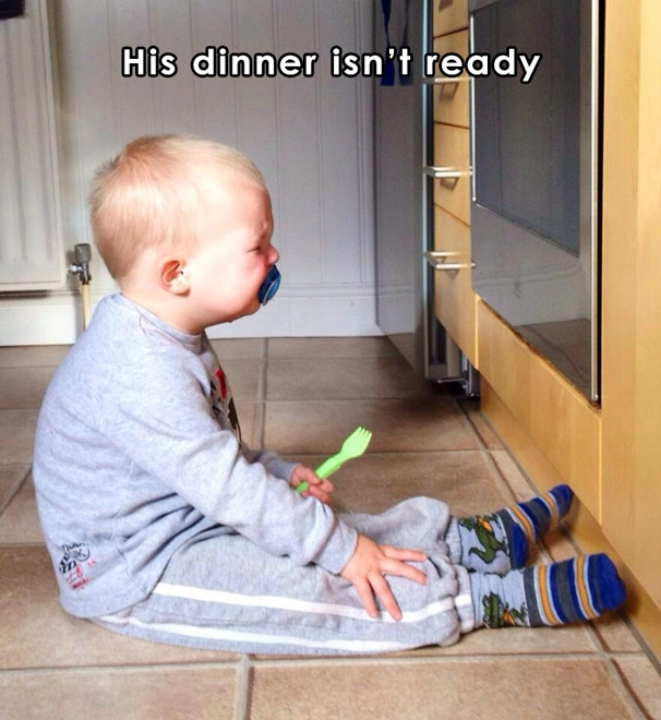 Chờ hoài mà chưa được ăn tối.