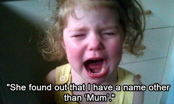 """Khi phát hiện ra mẹ có một cái tên khác nữa ngoài """"Mẹ""""."""