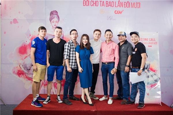 Được biết Đời cho ta bao lần đôi mươi là bộ phim điện ảnh thuộc thể loại Chick – Flick: Thanh xuân thiếu nữ đầu tiên ở Việt Nam. Hiện nay, đoàn phim đang tiếp tục tìm kiếm những gương mặt phù hợp đảm nhận cáctuyến vaichính trong phim. Phim dự kiến bấm máy vào đầu tháng 7 và ra mắt khán giả vào tháng 11.2016.