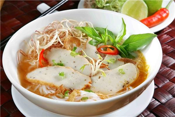 """Ẩm thực Nha Trang - Bộ đôi bún cá - bún sứa """"nao lòng"""" du khách Nha Trang"""