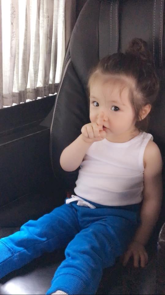 Những hình ảnh của Cadie được mẹ Elly đăng tải đều nhận được hàng nghìn lượt like và chia sẻ trên mạng xã hội.
