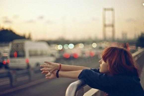 Bắt đầu từ bây giờ, phải thông minh một chút, đừng bao giờ hỏi người khác có nhớ mình không, có yêu mình không?