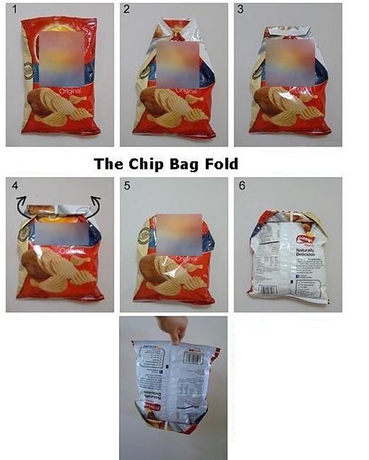 Hãy gói bịch snack thừa theo cách trên để dùng cho lần sau nhé! (Ảnh: Internet)