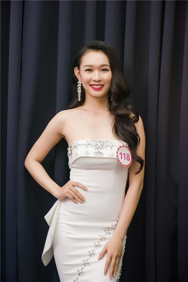 Ê-kíp thực hiện hình ảnh cho Hoa hậu Việt Nam 2016 đềubao gồm những tên tuổihàng đầu, có kinh nghiệm tại nhiều cuộc thi nhan sắc quốc gia. Các chuyên gia đều hào hứng khi lần đầu tiên được làm việc và truyền lửa cho các bạn thí sinh của cuộc thi năm nay.