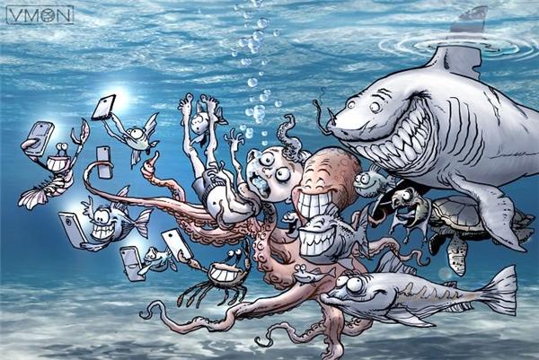 Đám con nít xúm xít quanh con người mà chúng vừa bắt được từ trên bờ, đứa bóp cổ, đứa nắm tóc, đứa bẻ chân. Nhìn thấy vài đứa cá tôm giơ điện thoại lên, chúng đồng loạt toét miệng ra cười, tay nâng cao chiến lợi phẩm, khuôn mặt lộ rõ vẻ đắc ý.