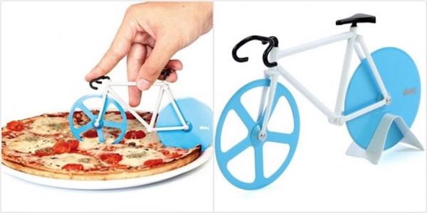 Chiếc dao cắt pizza lấy cảm hứng và nguyên lý hoạt động từ một chiếc xe đạp sẽ giúp bạn có một miếng pizza ngon lành. (Ảnh: Internet)