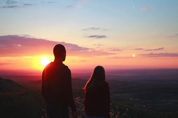 Gặp nhau quá nhiều sẽ phát sinh sự nhàm chán. (Ảnh: Internet)