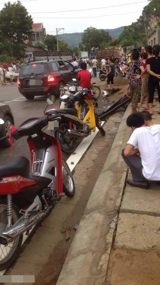 Hiện trường vụ tai nạn ở Mường Lát, Thanh Hóa.(Ảnh: Le Minh Long)