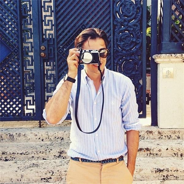 Vốn là một kỹ sư xây dựng nhưng Murad lại có niềm đam mê vô tận đối với nhiếp ảnh.