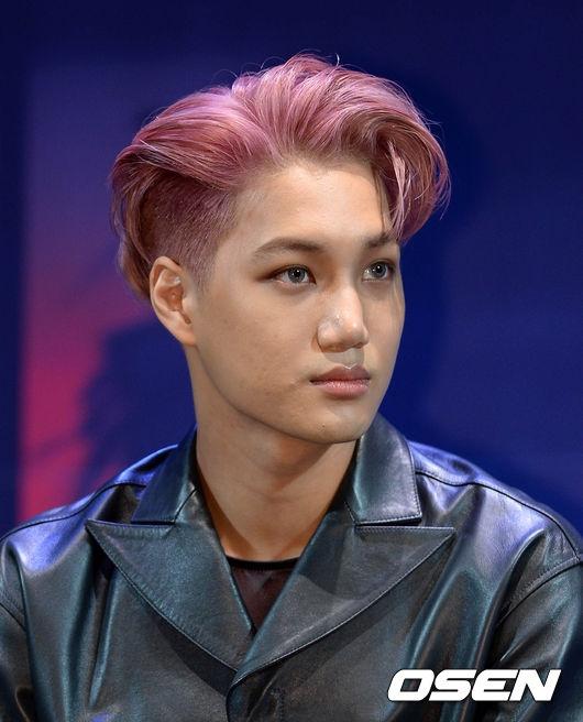 Vừa nghe EXO trở lại, fan đổ xô đặt đĩa số lượng khủng