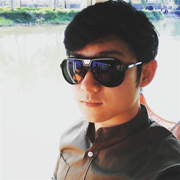 Bất ngờ mĩ nam Việt đẹp-chuẩn-Hàn xuất hiện trên báo Thái Lan