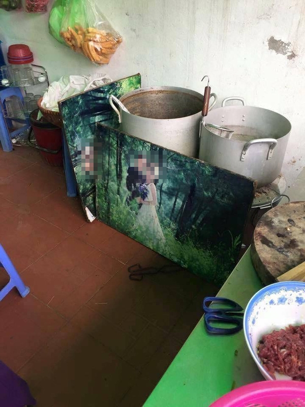 Tuy nhiên công dụng của nó không chỉ dừng lại ở đó mà còn để sau này chồng... lót bếp che cho vợ nấu cơm đỡ nóng.