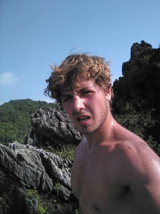 Anh Shaw Webb là một vận động viên leo núi chuyên nghiệp - Ảnh: facebook nhân vật