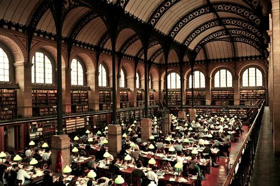 """33. Paris còn """"vô đối"""" về số lượng thư viện với con số 830. (Ảnh: Internet)"""