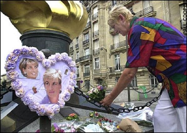 27. Sau đó, nó trở thành nơi tưởng niệm Công nương Diana. (Ảnh: Internet)