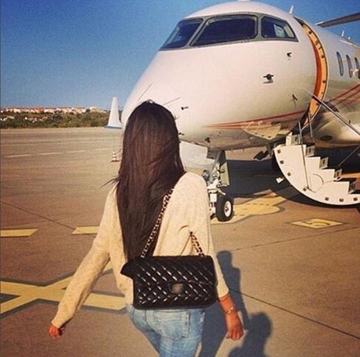 Giốngnhư con cái, với họ việc đi lại bằng máy bay riêng cứ như đi...chợ. (Ảnh:Rich Parents ofInstagram)