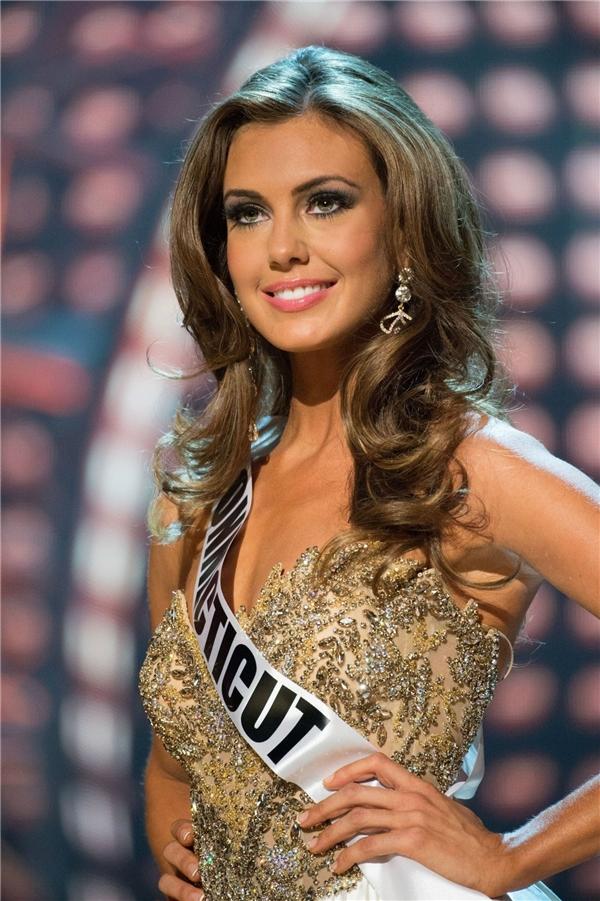 Hoa hậu Mỹ 2013 Erin Brady có gương mặt thanh tú không góc chết cùng đôi mắt sâu thẳm hút hồn.