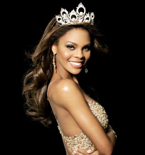 Năm 2008, khán giả vô cùng bất ngờ khi nữ diễn viên, MC truyền hình Crystle đăng quang ngôi Hoa hậu Mỹ. Đây cũng là hoa hậu da màu hiếm hoi của đất nước cờ hoa. Vẻ ngoài khỏe khoắn, năng động và mạnh mẽ là điểm cộng lớn của Crystle trong mắt khán giả.