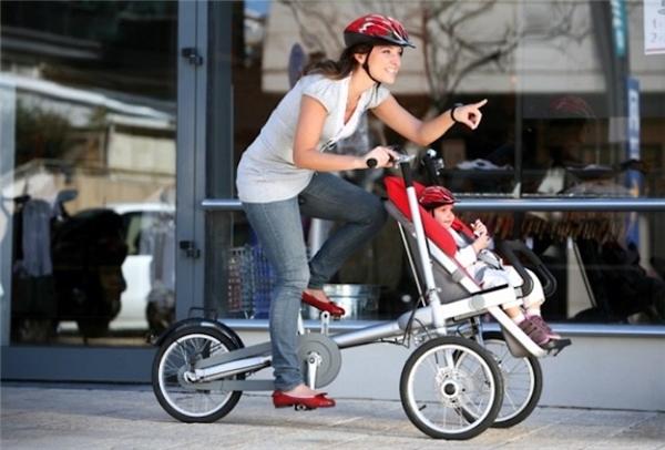 Kết hợp hai trong mộtviệc chăm con và tập thể dục là giải pháp tuyệt vời cho những bà mẹ trẻ bận rộn. (Ảnh: Internet)
