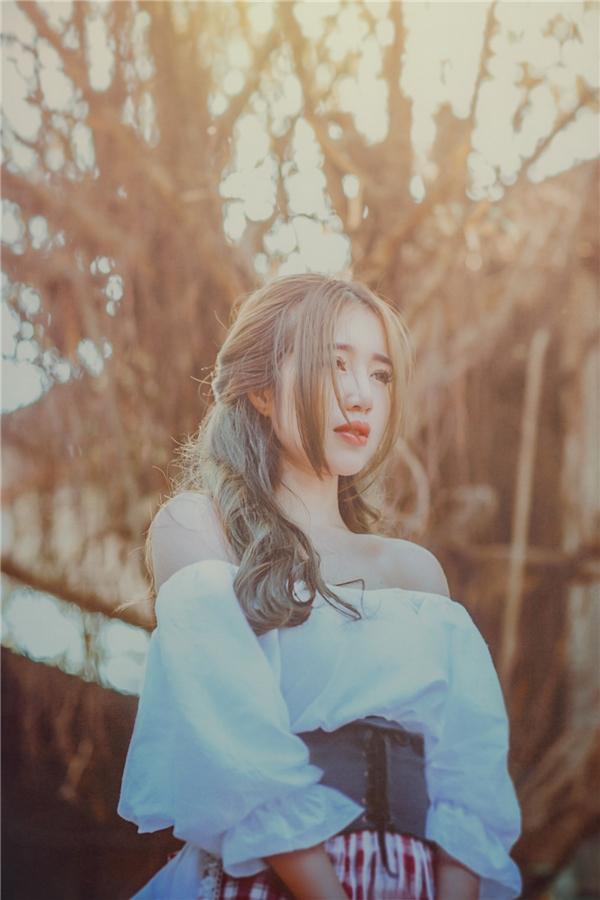 Elly Trần thực hiện bộ ảnh này nhằm dành tặng,lưu giữ kitniệm đẹp, đáng nhớ với hai thiên thần nhỏ.