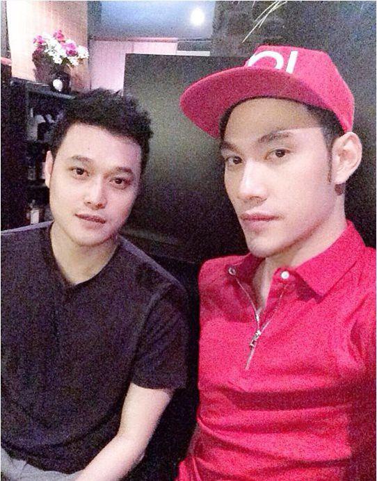 Cả hai được nhiều người cho rằng, nếu thực sự yêu nhauthì chắc chắn Lý Quí Khánh và Quang Vinh sẽ trở thành cặp đôi đồng tính đẹp nhất showbiz Việt. - Tin sao Viet - Tin tuc sao Viet - Scandal sao Viet - Tin tuc cua Sao - Tin cua Sao