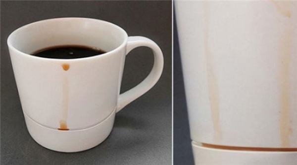 Việc thưởng thứccafe sẽ ko bị gián đoạn giữa chừng khi bạn phải đứng lên tìm khăn giấy lau sạch chỗcafe chảy ra ngoài nữa. Đơn giản mà thông minh, đúng chứ? (Ảnh: Internet)