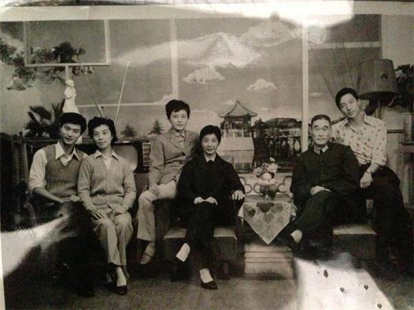 Giật mình với gia tộc có nhan sắc đẹp tựa hoa của Phạm Băng Băng