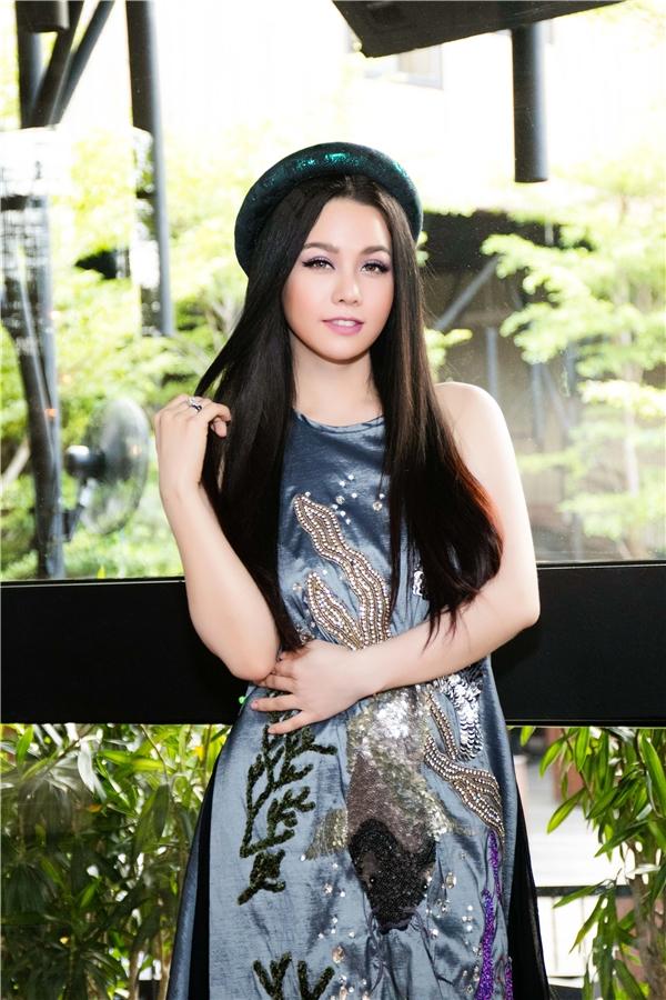 Nhật Kim Anh khoe nhan sắc mặn mà và vẻ đẹpđằm thắm khi trở lại showbiz sau thời gian thực hiện thiên chức làm mẹ.