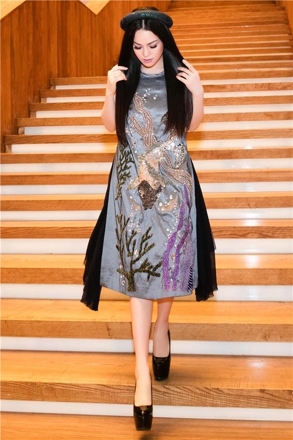 Bận rộn với công việc thế nhưng nữ diễn viên Cuộc chiến hoa hồngmay mắn được gia đình và chồng thông cảm, tạo điều kiện để Nhật Kim Anh yên tâm làm việc.
