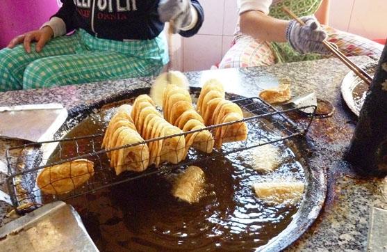 Ẩm thực Phan Thiết - Bánh rế Phan Thiết - hương vị của tuổi thơ