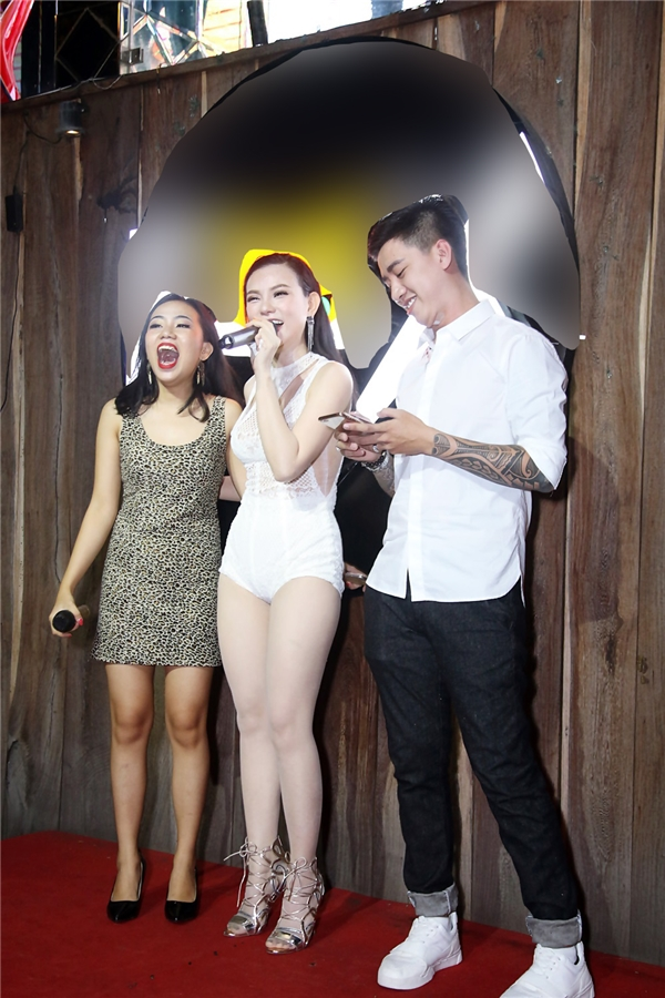 Thu Thủy cho biết cô rất hạnh phúc vì dù các ca khúc đã rất lâu nhưng khi tiếng nhạc vang lên khán giả đã vỗ tay rất nhiều và hát theo.
