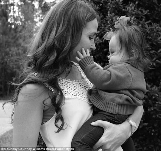 Sự lạc quan và can đảm của người mẹ Courtney khiến nhiều người cảm động. (Ảnh: Internet)