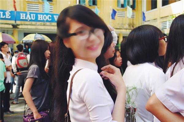 """Tấm ảnh thời học sinh """"lựu đạn"""" của TT từng gây sốt một thời trên các diễn đàn mạng về hotgirl Sài Gòn. (Ảnh: Internet)"""