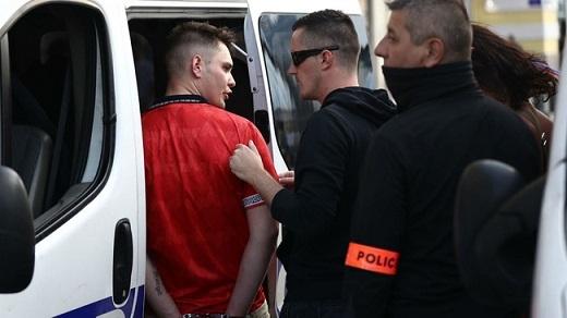 Một số kẻ quá khích cũng đã bị bắt giữ.