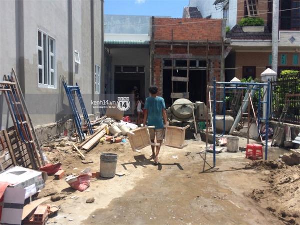 Nhà Kỳ Hân được đập đi và xây lại.
