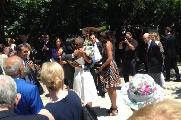 Giây phút xúc động của ông chủ Nhà trắng và con gái. (Ảnh: Internet)