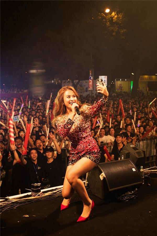 Những nhân tố với tư duy mới làm âm nhạc như Hoàng Thùy Linh, dù ít ỏi, sẽ giúp âm nhạc Việt Nam gần với những xu hướng âm nhạc trên thế giới.