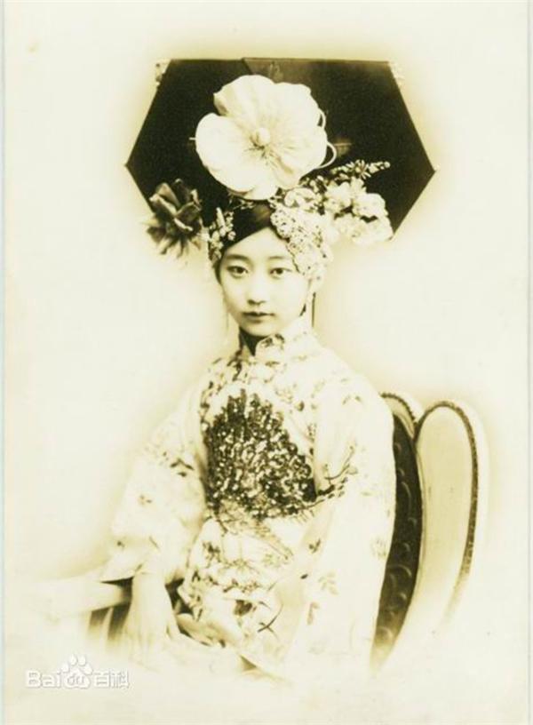 Đây chính là chân dung của nàng Cách Cách xinh đẹp nhất triều Thanh.