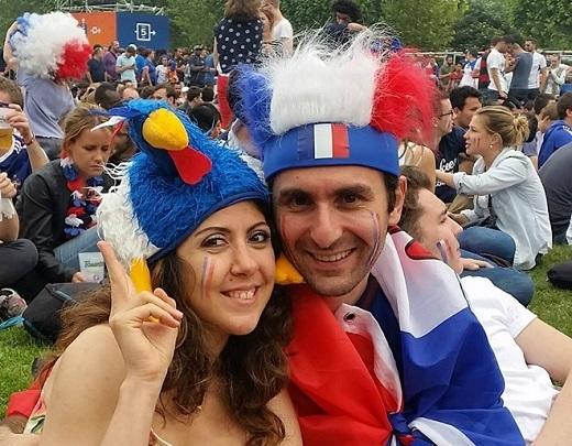 Trước trận đấu khai mạc cả tiếng đồng hồ, fan Les Bleus đã lấp đầy khu fanzone lớn nhất Euro 2016.