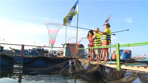 Nhiệm vụ đặc biệt dành cho các bé trong tập này làvớt cá làm nguyên liệu cho bữa tối.