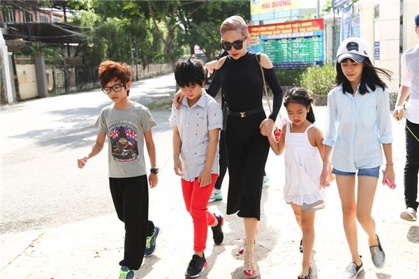 Tóc Tiên đột nhập gây chấn động đại bản doanh Vietnam's Idol Kids